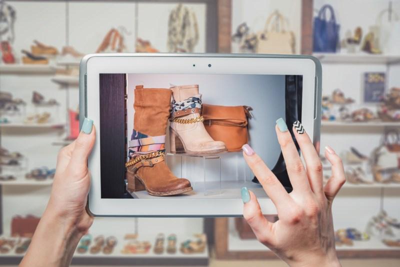 Cómo llevar clientes de la tienda física a la tienda en línea - estrategias-clientes-de-tienda-fisica-tienda-online-800x534