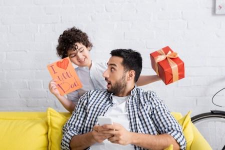 4 regalos para papá que puedes comprar desde casa