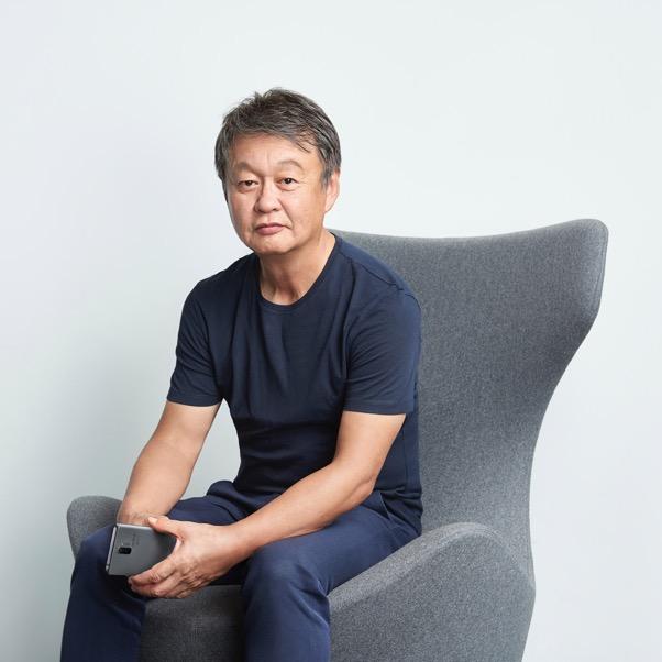 Una marca de teléfonos inteligentes que lleva el diseño a otro nivel - naoto-fukasawa