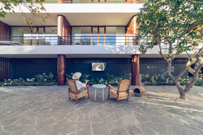 Tendencias de experiencias al aire libre que integran lo mejor del exterior con el interior - the-terrace-primer-televisor-para-exteriores-samsung-2