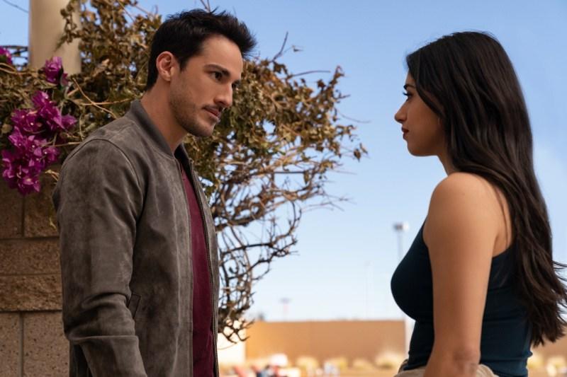 """Estreno de la tercera temporada de """"Roswell, New Mexico"""" por Warner Channel - roswell-new-mexico-1"""