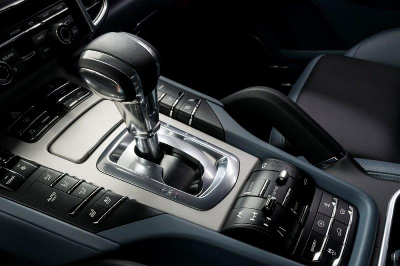 Autos con transmisión estándar o automático ¿cuál es el ideal para ti? - transmision-automatica-de-coches