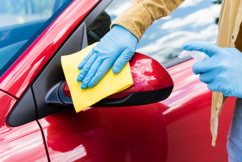 Cómo limpiar y desinfectar tu auto de forma efectiva y eficiente