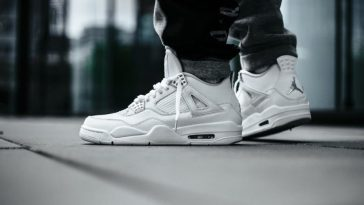 AIR JORDAN 4 PURE MONEY 17