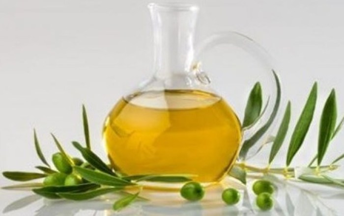 Extra-virgin olive oil for skin and hair