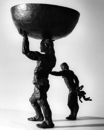 big-man-holding_bowl