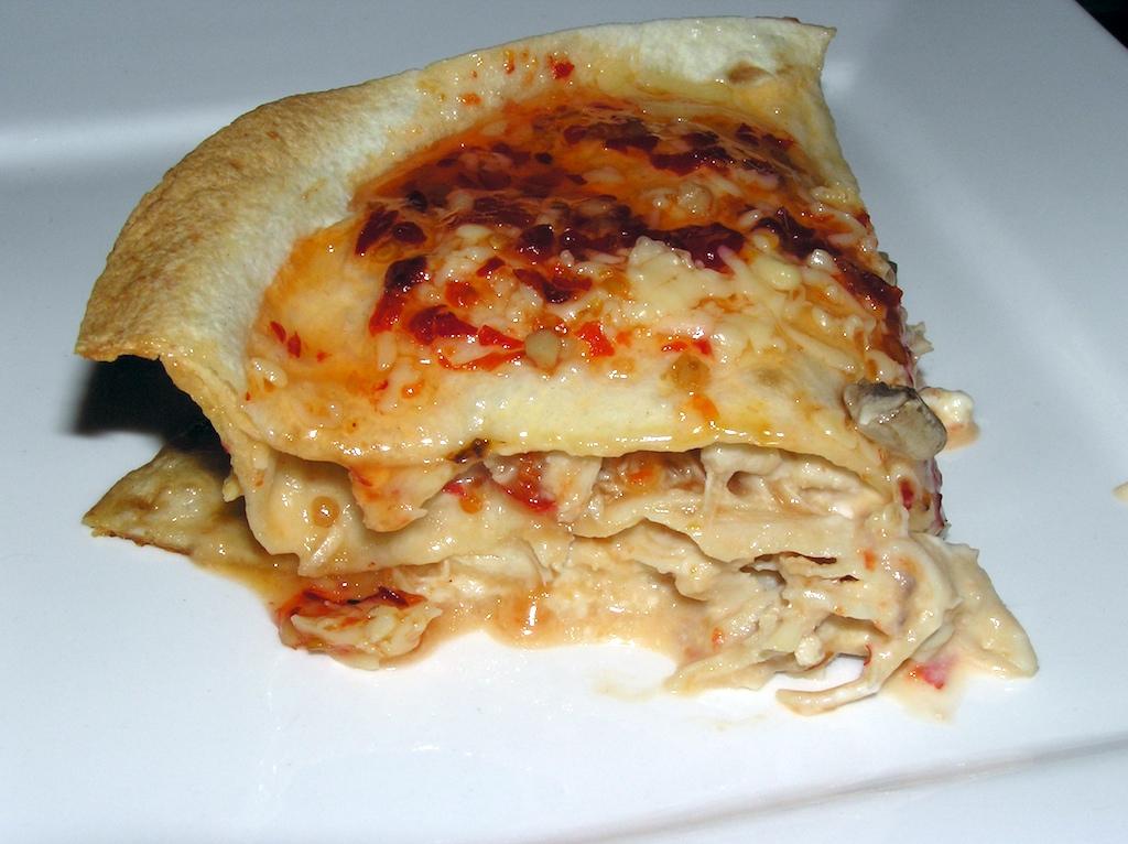 Kip-tortilla ovenschotel met chilisaus