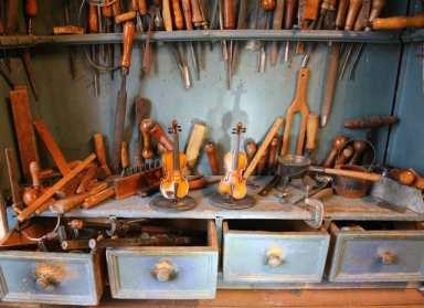 Geigenbauwerkstatt iim Geigenbaumuseum