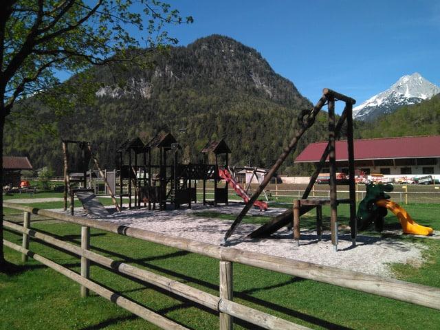 Kinderspielplatz im Ried