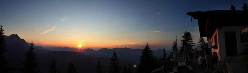 Panorama Sonnenuntergang an der Mittenwalder Hütte