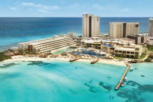 Punta Cancún Faro