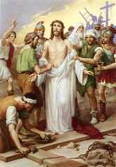 10ª ESTACIÓN: JESÚS DESPOJADO DE SUS VESTIDURAS