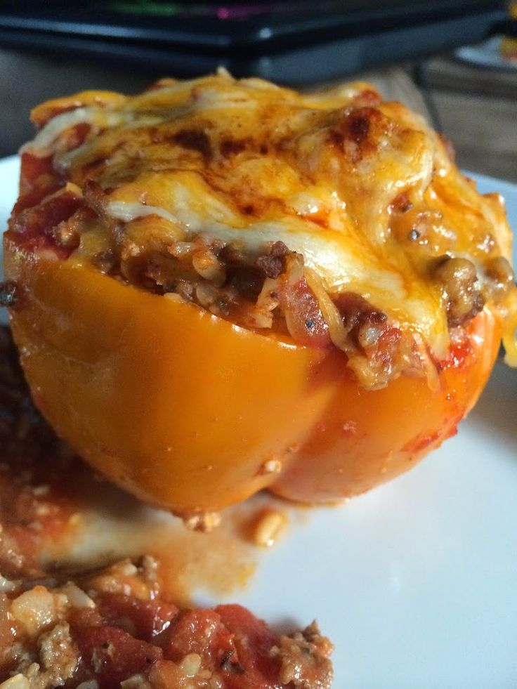 21 Day Fix Stuffed Peppers–Yield: 4 peppers–Fix Portions (per pepper): 2 green, 1 red, ½ yellow, ½ blu