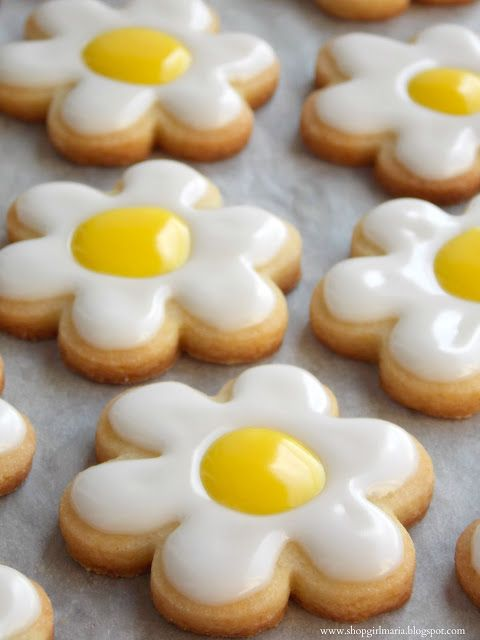 DAISY SUGAR COOKIES (Recipe from Martha Stewart) *Makes about 2 dozen cookies*  YOU WILL NEED: SUGAR COOKI