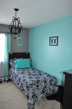 tiffany blue interior paint