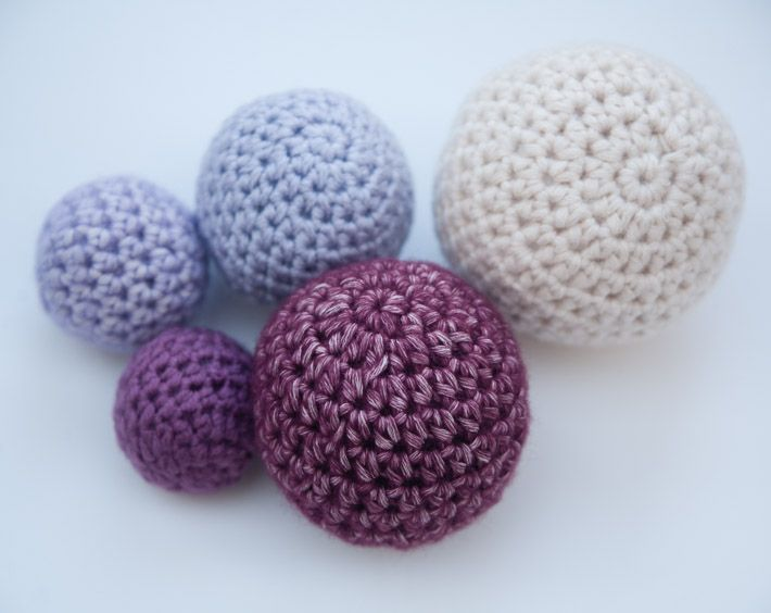 Want a tiny sphere? A giant pouf? Achieve the perfect size with this easy crochet ball formula. On Craftsy