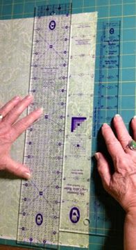 Moda… the Cutting Table: Two Tricks for Perfect Log Cabin Blocks from Marti Michell. This is a very good