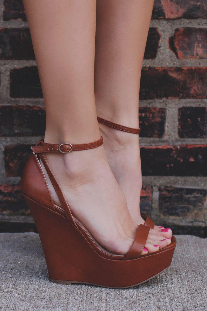 Whiskey Buckle Ankle Strap Platform Wedge VIVI-41B – UOIOnline.com: Women's Clot