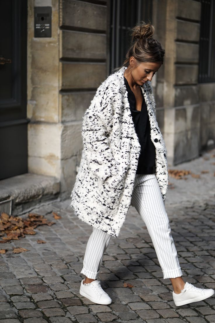 white and black in a bit of a pattern… MANTEAU lainé | @NOHOLITA