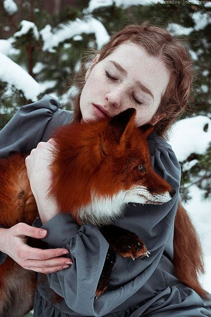White Wolf : The Girl And The Fox Cuddle In Beautiful Photographs by Alexandra Boc
