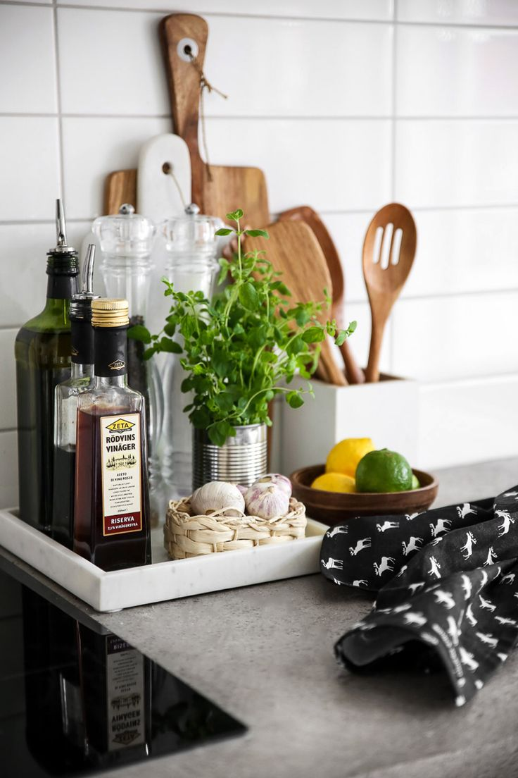 Trays are a great way to contain clutter on counters, and keep everyday cooking es