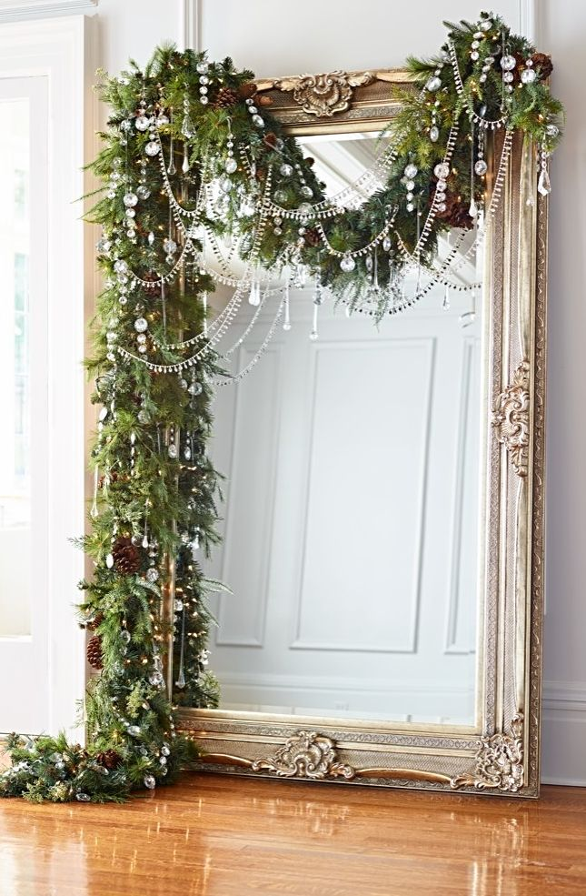 This years holiday theme? Glitzy and glamorous! Dashes of drama fuse with daz