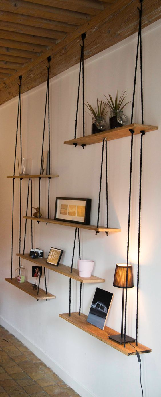 Shelfs which are hanging on the ropes. Great idea! 15 stunning home decor ideas –