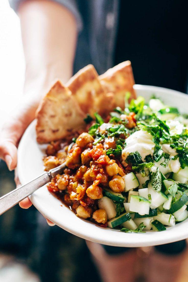 Detox Moroccan Chickpea Glow Bowl: clean eating meets comfort food! vegetarian / v