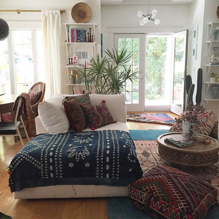 An amazing bohemian inspired room, in many lovely autumn shades of brown.