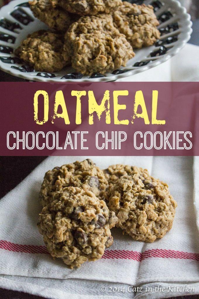Nothing speaks love like a warm batch of oatmeal chocolate chip cookies! | Club 31 Women | club31women.com #cookies