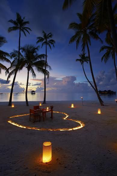 A Fine Romance – Share a romantic candlelit dinner with someone special – Gili Lankanfushi Maldives