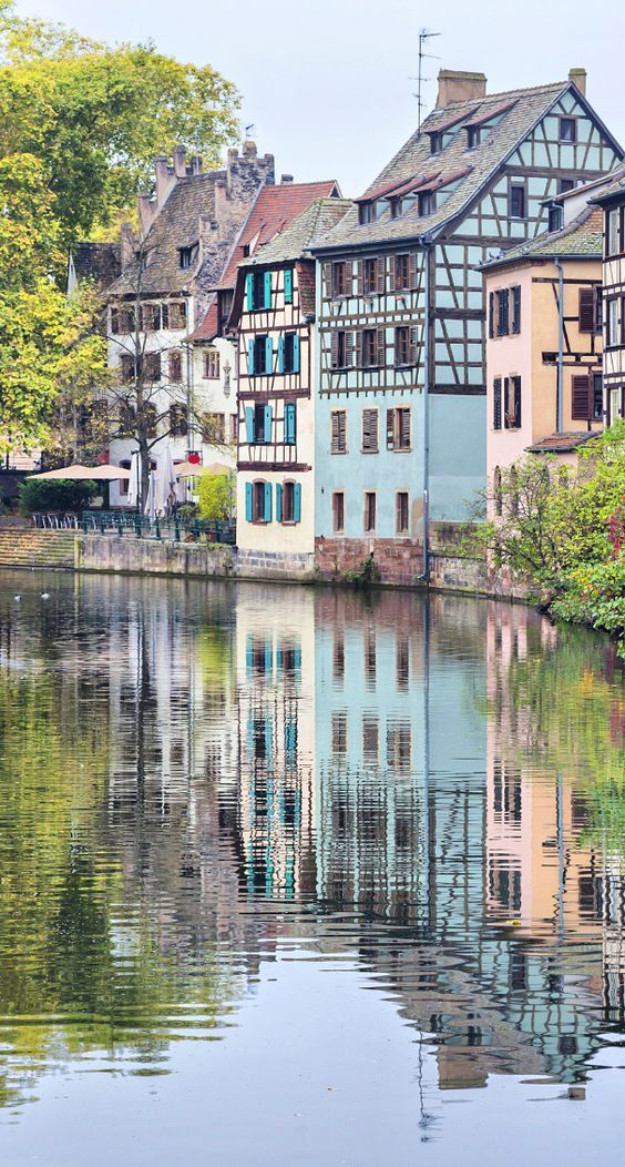 3 MAGICAL VILLAGES IN FRANCE