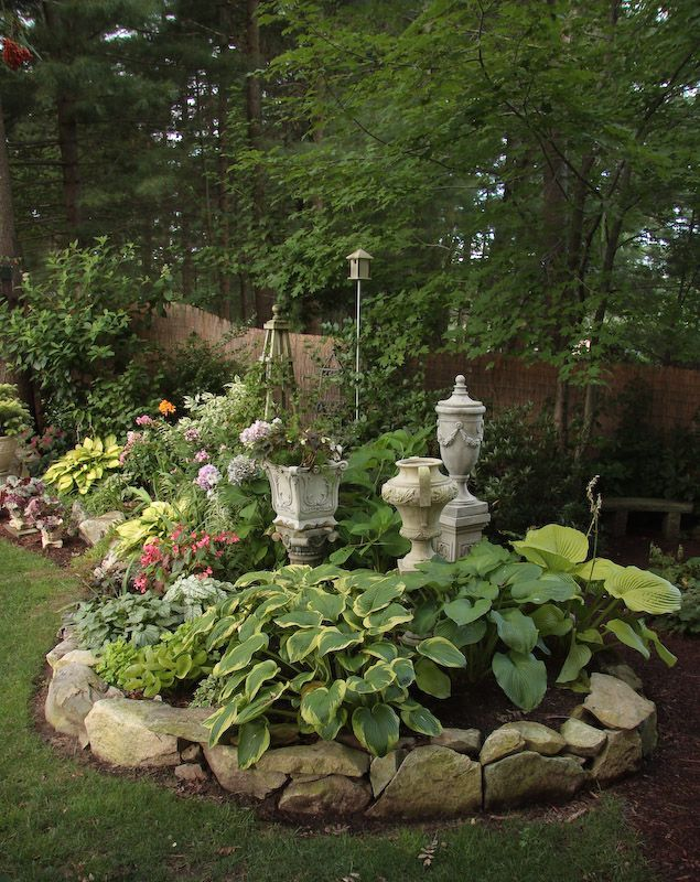 Shade garden – I really like the stone edging! – Gardening For Life