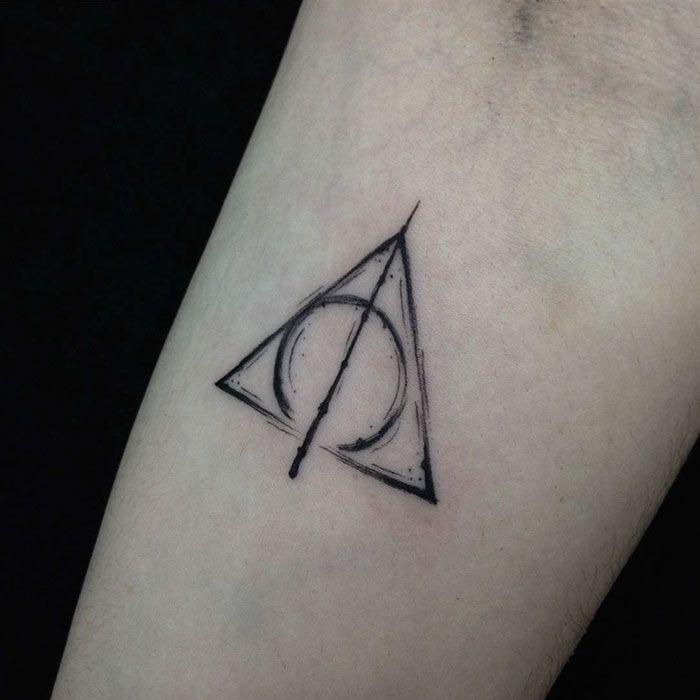 20-tatouages-Harry-Potter-qui-ne-parlent-qu-aux-fans-j-k-rowling-3 30 tatouages Harry Potter qui ne parlent quaux fans