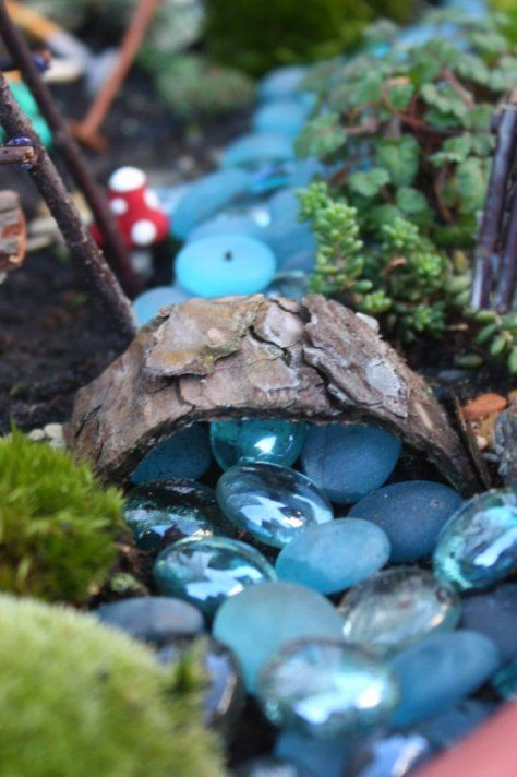 Juise: Fairy Garden: this is an amazing garden…full of inspiration!