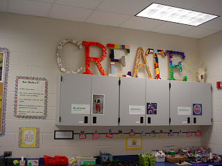 CREATIVE Classroom. This is an art room, but I love many of the ideas here for a 7-12 ELA classroom. The clock with time flies