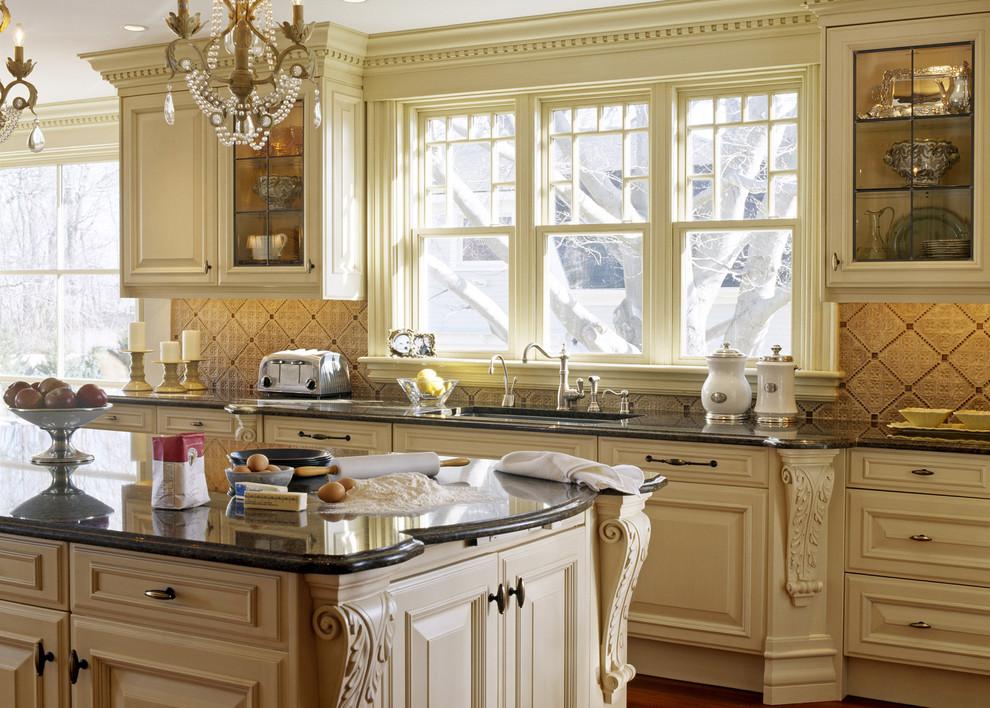 Suzy q, better decorating bible, blog, Victorian home, renovation, detailing, woodwork, trim, crown molding, Victorian era,
