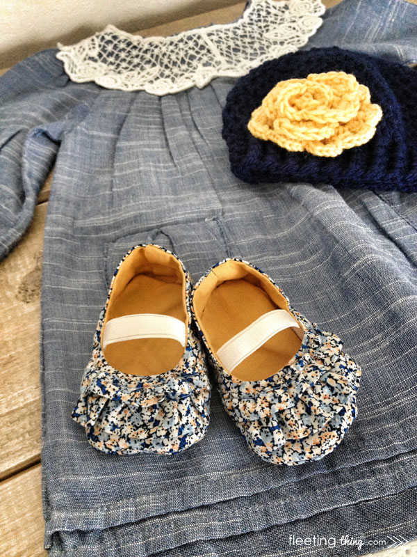 The Mila baby shoe pattern and tutorial. The dress and hat are pretty dang cute too!