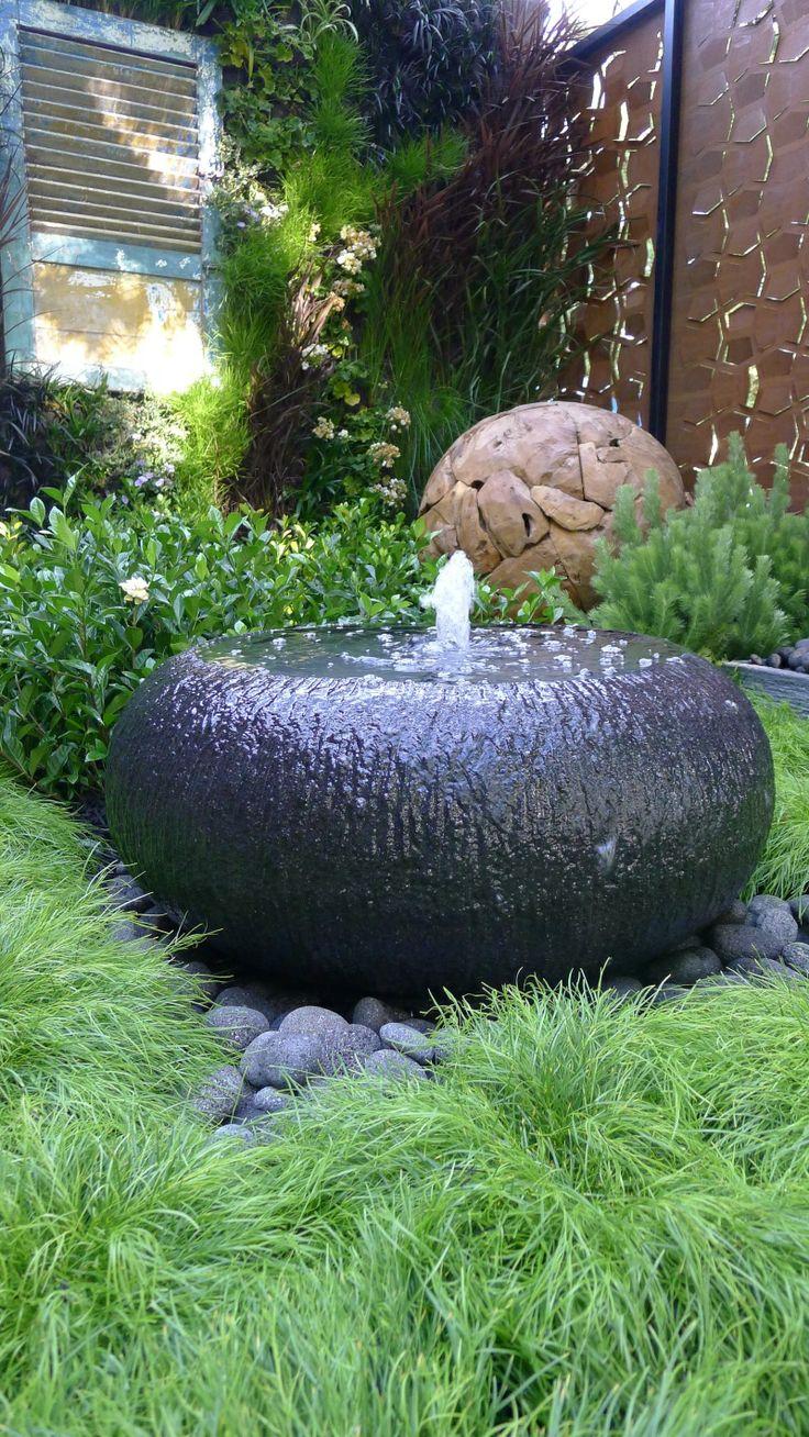 Bubbling water fountain