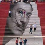 Pe scări, în jurul lumii