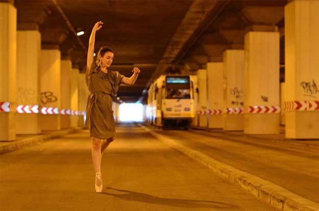 Dancing Bucharest - dansatoare: Alina Iorgulescu.