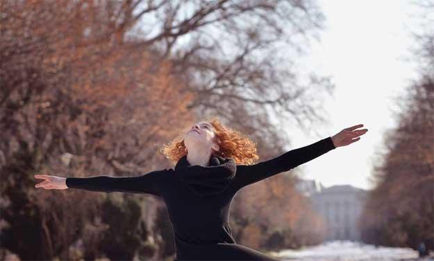 Dancing Bucharest - dansatoare: Sanziana Tarta.