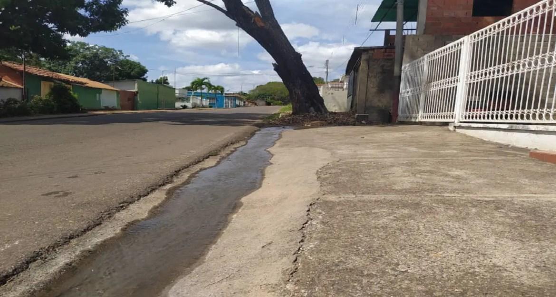 Otro desbordamiento de aguas servidas