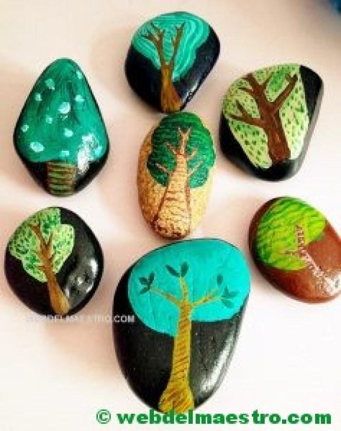 Pintar piedras-árboles