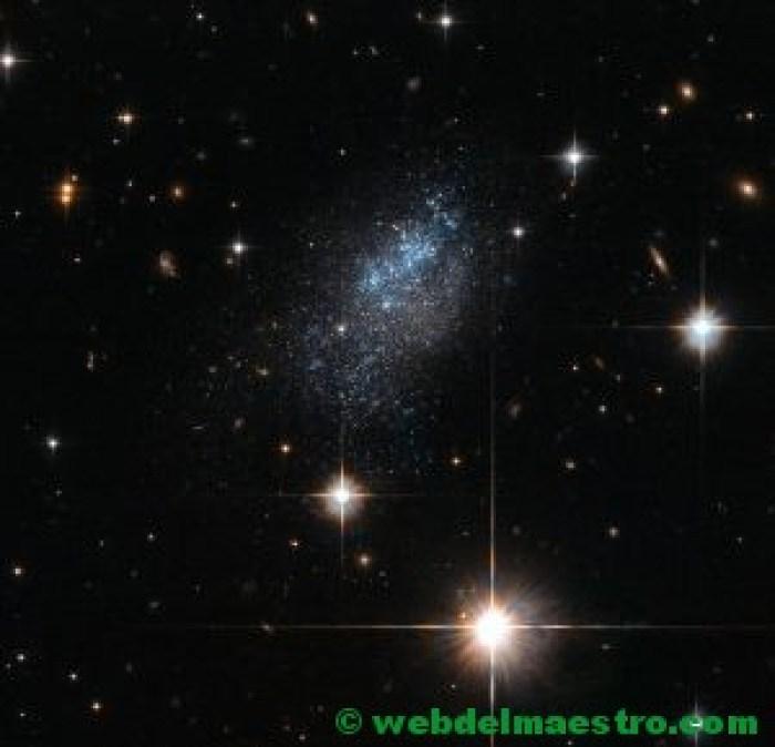 Estrellas y galaxia Leda
