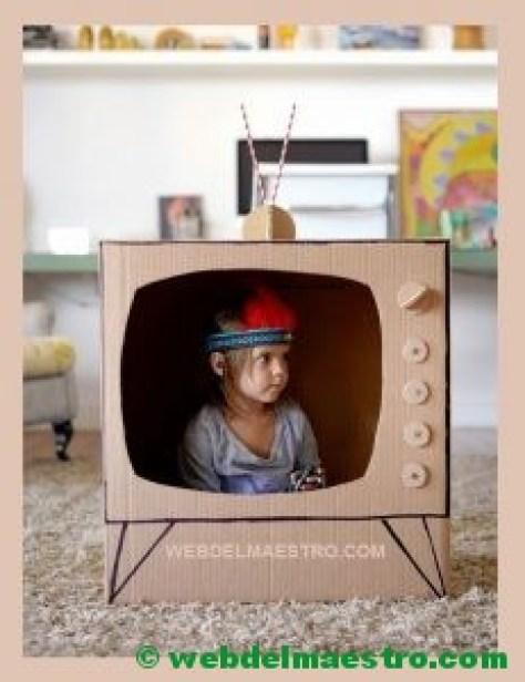 televisor de cartón