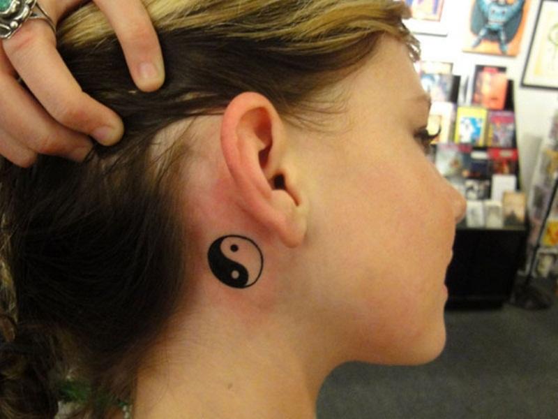 50 Back Neck Tattoos (13)