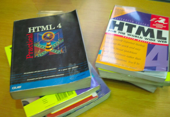 Featured Image - HTML4.0 books for coding websites development