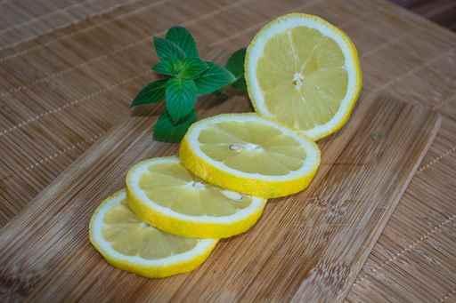 Лимон вызывает месячные