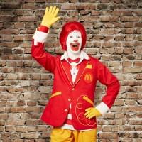 Por Que Você Nunca Vê Ronald McDonald Comendo McDonald's